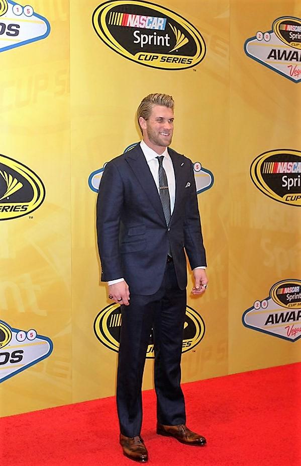Bryce Harper NASCAR CVcwJoRWsAAEYAT