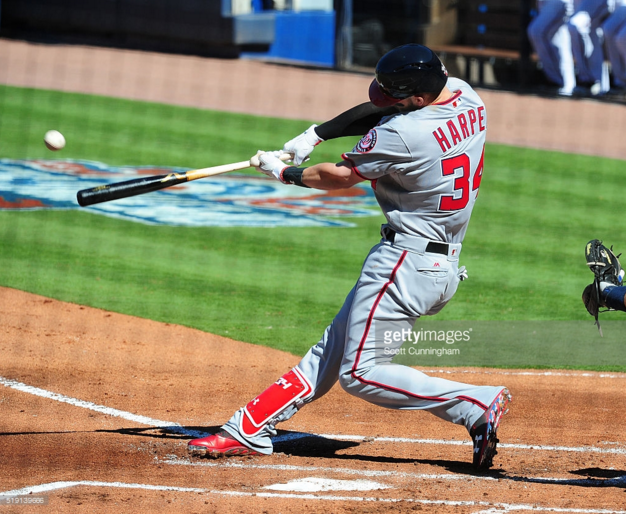Bryce Harpers Opening Day Victus Bh1371 Bat New Topps Card The
